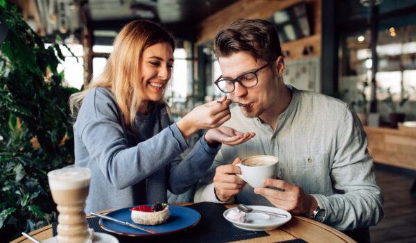 8 Kohtingu Teemat Mis Hoiavad Suhte Soojas